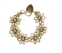 English Daisy Link Bracelet with a Heart Padlock