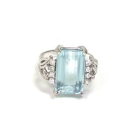 Aquamarine Ring with Diamond Accents