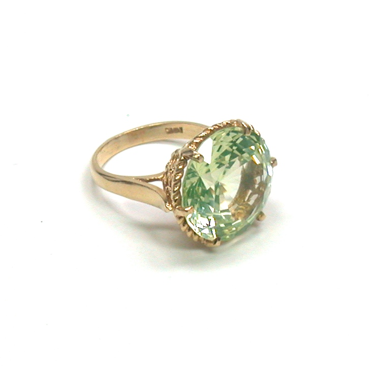 14kt Synthetic Green Spinel Ring